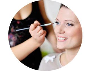 Нанесение макияжа на дому