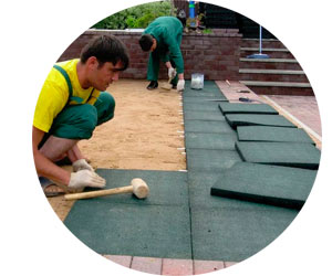 Производство и укладка резиновой плитки